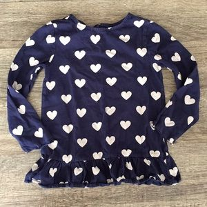Adorable little girls hearts shirt! 💙